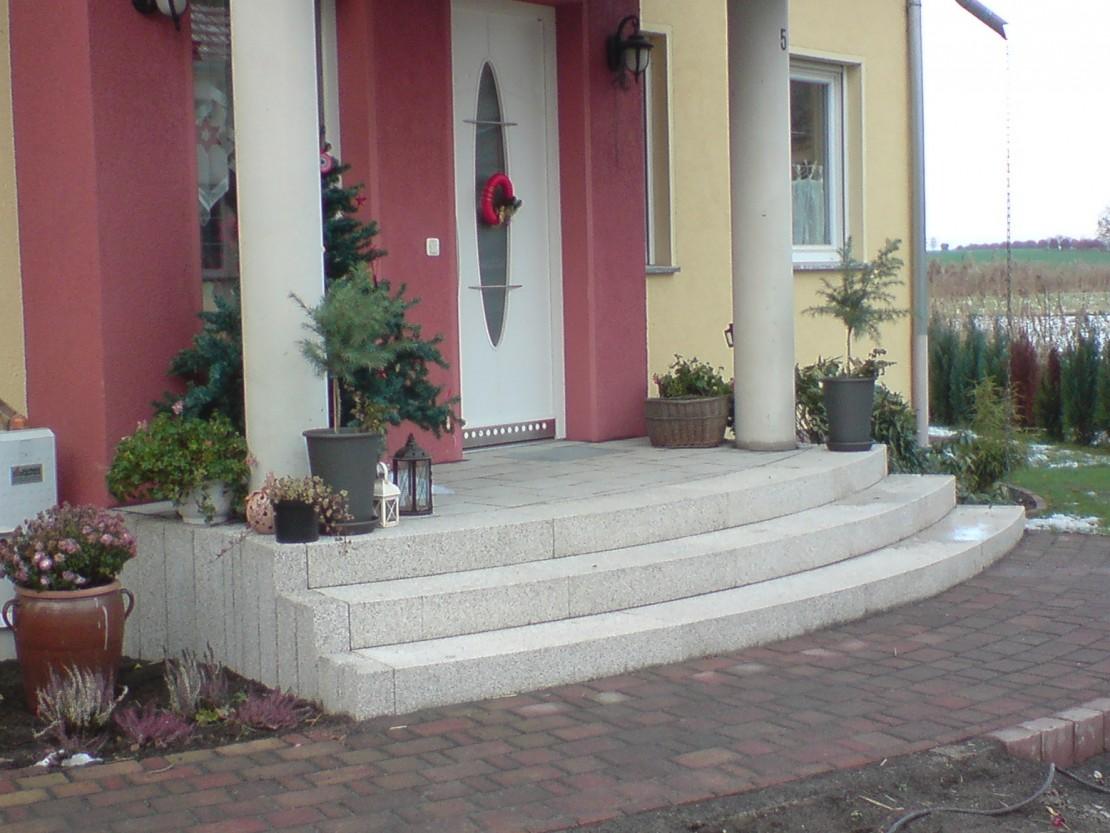 Treppenanlage mit EHL Radien Blockstufen