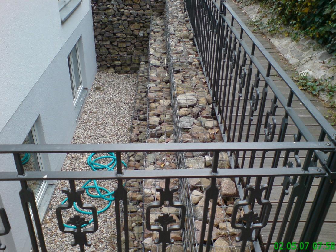 Terrasse und -Wege mit Bangkirai Holz
