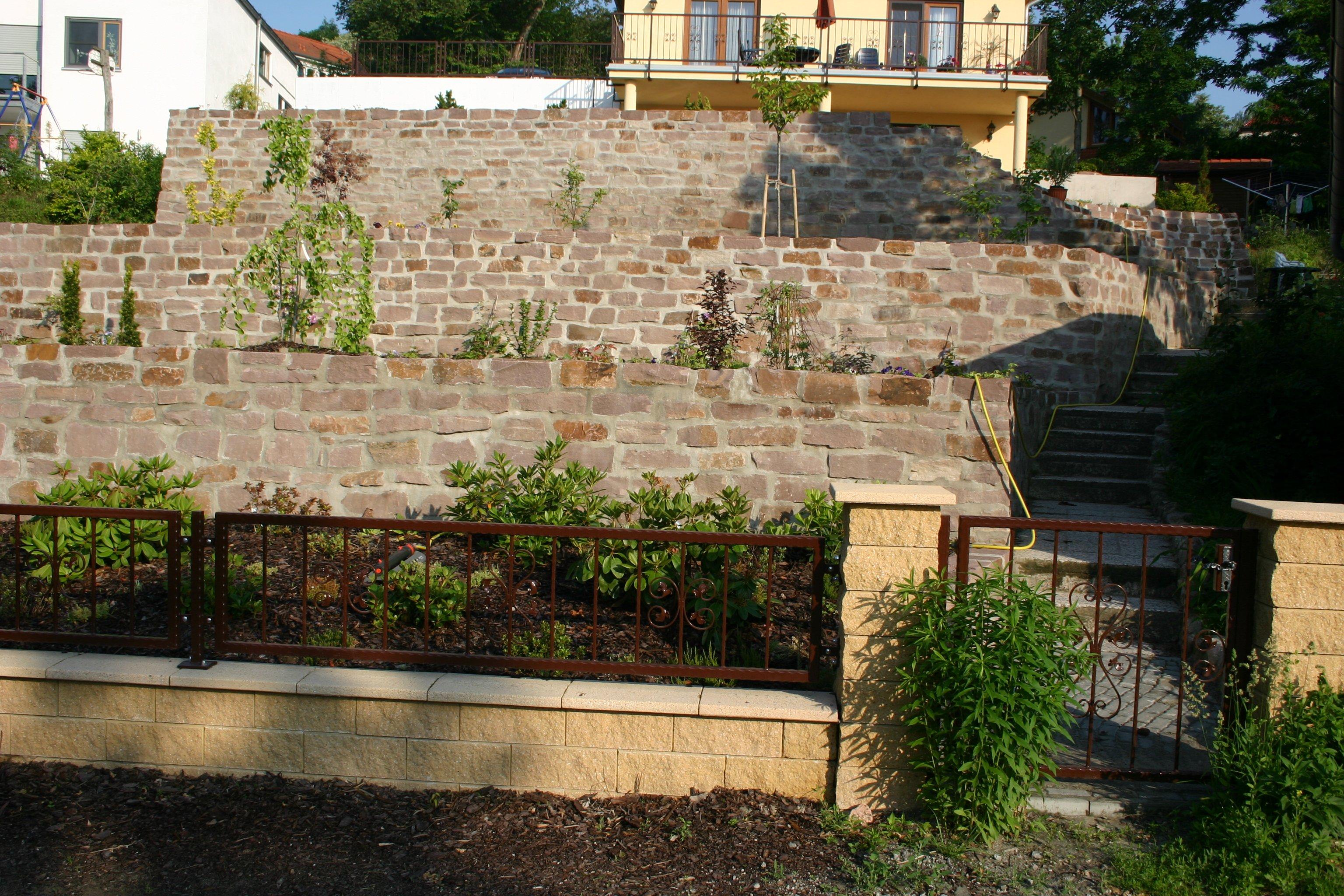 terrasse und wege mit bangkirai holz hess bau gmbh. Black Bedroom Furniture Sets. Home Design Ideas