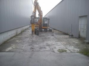 Aufbruch-Abbruch-Stemmarbeiten-Bagger-Aufbruchhammer