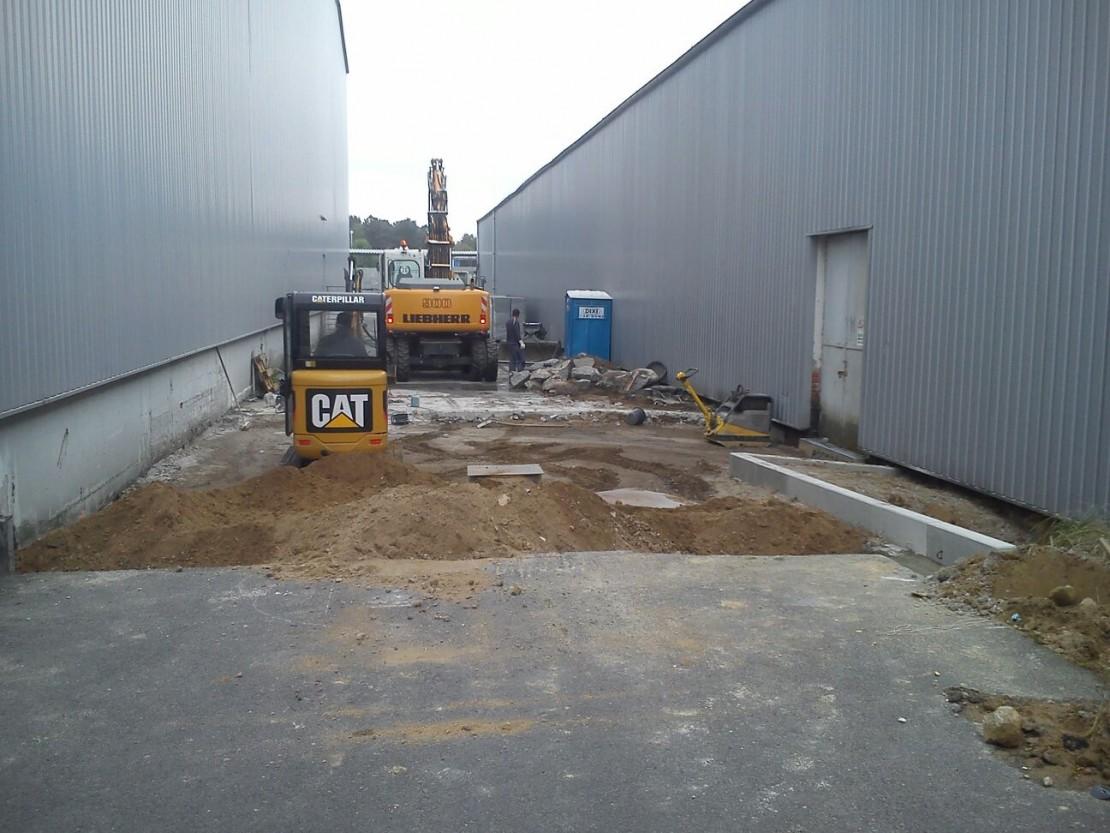Industrie Lagerfläche mit Betonpflaster erweitert